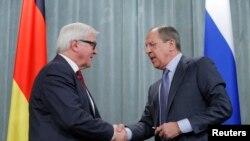 拉夫羅夫星期五在莫斯科跟德國外長弗蘭克-瓦爾特施泰因邁爾舉行聯合記者會。
