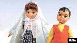 سارا و دارا برای پیکار با آن چه در جمهوری اسلامی «تهاجم فرهنگی» خوانده می شود، روانه بازار شدند.
