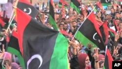 利比亚民众庆祝推翻卡扎菲政权