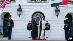 Tổng thống Obama, và Thái tử Mohamed bin Zayed Al Nahyan của các tiểu vương quốc Ả rập Thống nhất tại Tòa Bạch Ốc, ngày 8/7/2015.