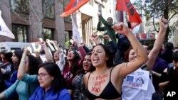 El Tribunal Constitucional avaló el lunes un proyecto de ley que eliminaría la prohibición absoluta del aborto en Chile, el único país sudamericano que aún lo limita bajo cualquier circunstancia.