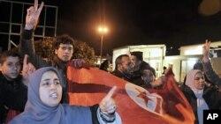 Tunísia: Calma regressa lentamente à capital