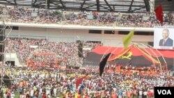 Comício do MPLA Luanda (VOA/foto de arquivo)