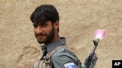هغه افغان ځواکونه چې په قندهار کې گزمه کوي واېې دوې د هیواد د امنیتي دندو د اخیستو لپاره تیار دي.