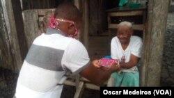 Onda de solidariedade acarinha os idosos, São Tomé e Príncipe.