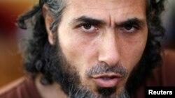 Bekas tahanan Guantanmo, Jihad Ahmad Diyab, dalam sebuah wawancara di Buenos Aires, 2015.