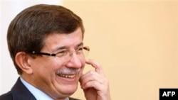 Davutoğlu Irak'ta Barzani ve Maliki İle Görüştü