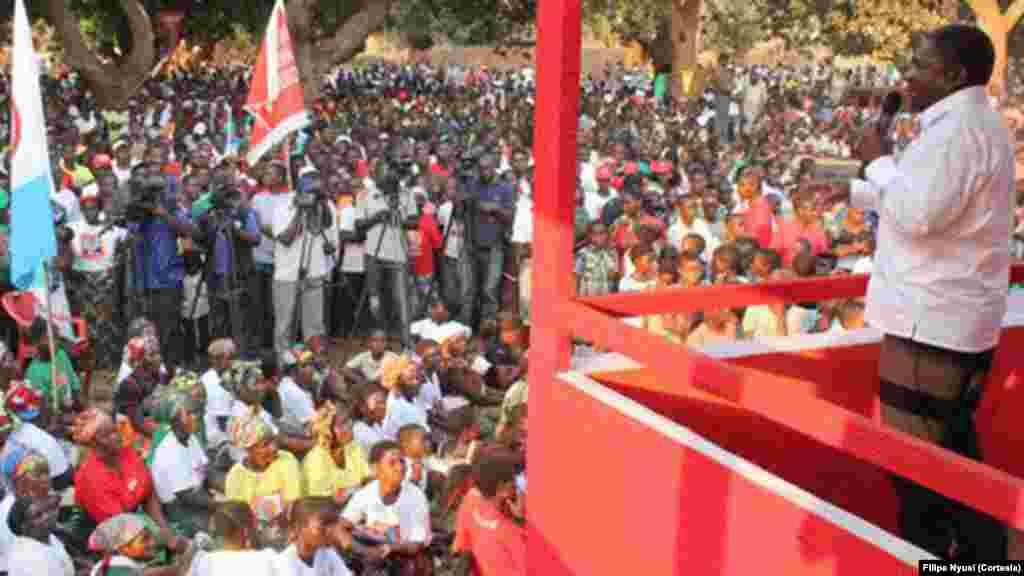 Moçambique Eleições 2014: Campanha de Filipe Nyusi (Província do Niassa)