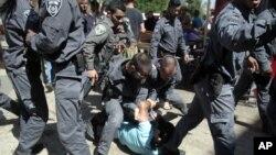 以色列警察與巴勒斯坦人發生衝突