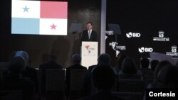 El presidente panameño Juan Carlos Varela dijo que empresarios y gobiernos deben asociarse por el bien común de la región. [Foto: Presidencia Panamá]