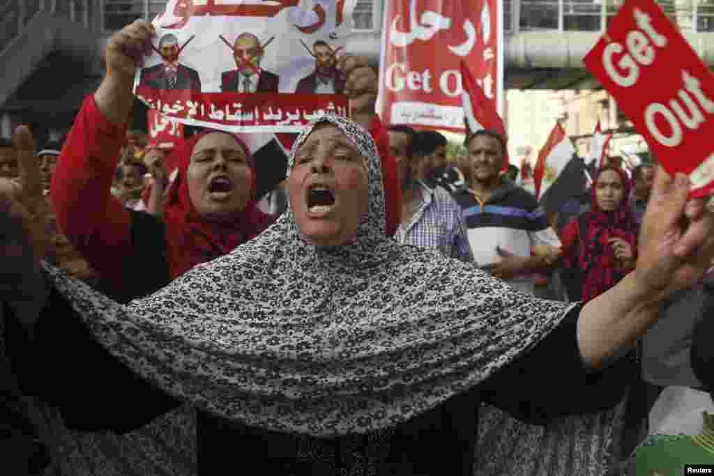 تقریبا دو کروڑ بیس لاکھ لوگوں نے صدر مرسی سے مستعفی ہونے کے مطالبے کی درخواست پر دستخط کیے ہیں۔