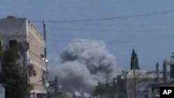 Vazdušni napad vladinih snaga u Siriji