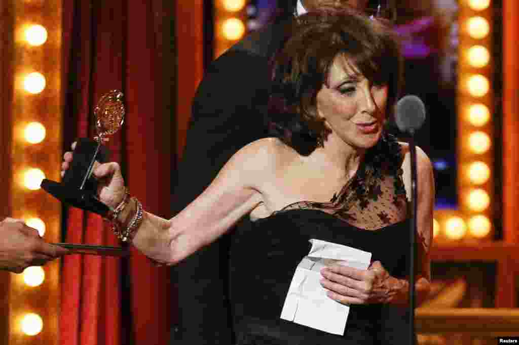 """Actress Andrea Martin accepts the award for Best Performance by an Actress in a Featured Role in a Musical for """"Pippin"""" during the Tony Awards in New York, June 9, 2013."""