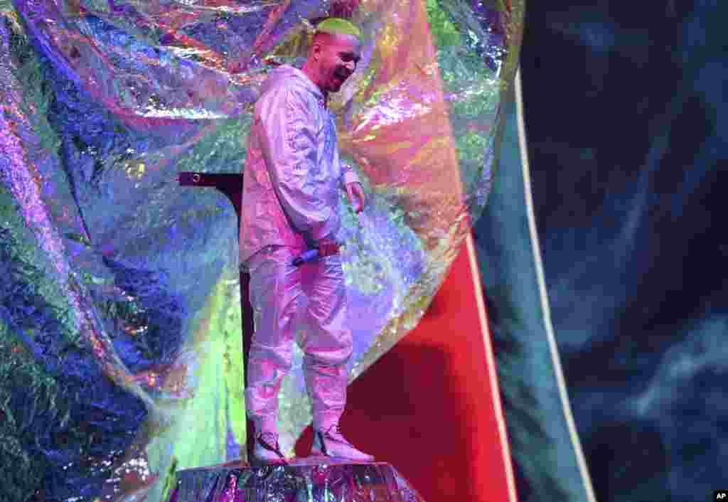 El regueatonero colombiano J Balvin durante los Latin Grammy en Las Vegas.