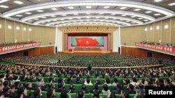 북한 김정일 국방위원장의 노동당 사업 개시 52주년 기념일을 맞아 중앙보고대회가 18일 평양에서 열렸다고, 관영 조선중앙통신이 보도했다.