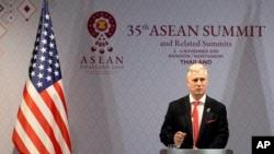 로버트 오브라이언 백악관 국가안보보좌관이 4일 태국에서 열린 아세안 정상회의에서 기자회견을 했다.