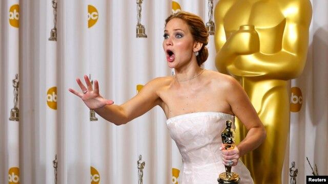 """Jennifer Lawrence recibió el Óscar como Mejor Actriz por su papel en """"Silver Linings Playbook""""."""