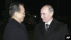 溫家寶在聖彼得堡與普京會面