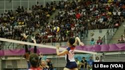 台灣女排2017年8月21日在2017台北世大運預賽中擊敗法國隊 (美國之音黎堡攝)