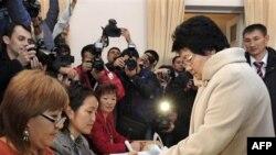 Në Kirgistan zhvillohen zgjedhjet presidenciale