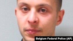 Фотопортрет Салаха Абдеслама, підозрюваного у нападах 2015 року у Парижі, поширений поліцією в Бельгії, де він був заарештований через 4 місяці після теракту.