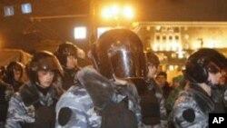 روس: انتخابی نتائج پر احتجاج، ماسکو میں فوج اور پولیس کا گشت