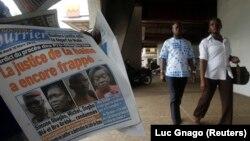 Le Nouveau Courrier en vente à Abidjan, le 10 mars 2015. (REUTERS/Luc Gnago)
