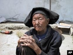 中国西部的贫穷农民