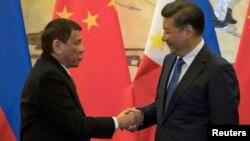 Tổng thống Rodrigo Duterte và Chủ tịch Trung Quốc Tập Cận Bình tại Bắc Kinh năm 2016.