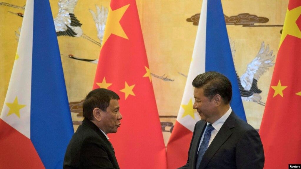 Tổng thống Philippines Rodrigo Duterte gặp Chủ tịch Trung Quốc Tập Cận Bình vào tháng 10/2016.