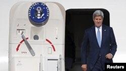 美国国务卿克里 (资料照片)