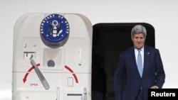 Menlu AS John Kerry akan kembali bertolak ke Wina hari Jumat (26/6) untuk negosiasi tahap akhir nuklir Iran (foto: dok).