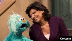 Sonia Manzano de origen puertorriqueño será galardonada por su aporte en la educación temprana de los niños por su participación en la popular serie televisiva Plaza Sésamo.