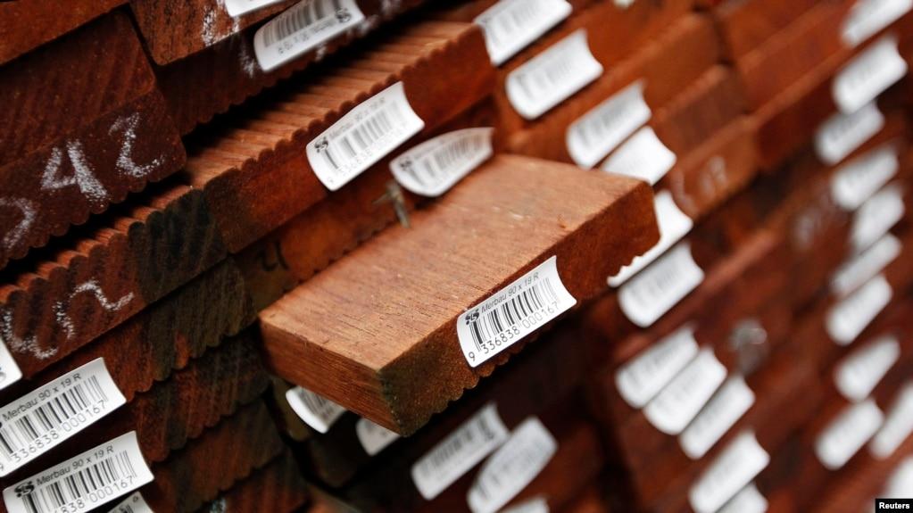 资料照:澳大利亚悉尼附近的一个木料仓库(photo:VOA)