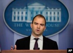 Phó Cố Vấn An Ninh Quốc Gia Hoa Kỳ Ben Rhodes