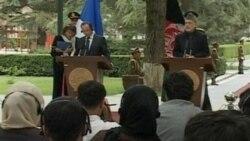 Fransa Cumhurbaşkanı Hollande'dan Afganistan'a Sürpriz Ziyaret