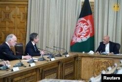 AQSh Davlat kotibi Entoni Blinken Afg'oniston Prezidenti Ashraf G'ani bilan muloqotda, 15-aprel, 2021