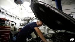 Castrol dice que el sistema Nexcel provee una reducción en las emisiones de bióxido de carbono en los motores modernos.