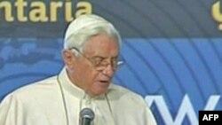 Papa: Mëkatet brenda kishës shkaktuan vuajtjet nga abuzimet seksuale