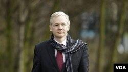 Pendiri situs WikiLeaks Julian Assange, tiba di Pengadilan Belmarsh Magistrates, London, Kamis (24/2).