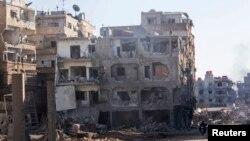شهرستان داریا در ۸ کیلومتری جنوب شرق دمشق تحت کنترل مخالفان بشار اسد است، اما تحت محاصره نیروهای دولتی سوریه قرار دارد.