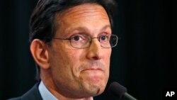 Eric Cantor ha dicho a un periódico de Richmond que no terminará su período en el Congreso.