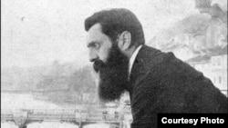 Кадр из фильма «Это не сон: жизнь Теодора Герцля»