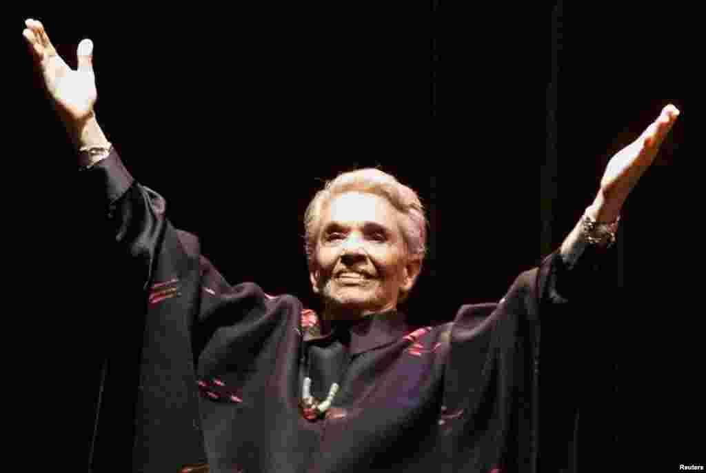 La legendaria cantante mexicana, Isabel Vargas Lizano más conocida como Chavela Vargas dejó de existir a los 82 años, el pasado 5 de agosto.