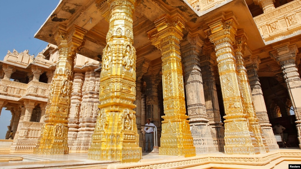 golden mantragoldcoati temples gold architecture best on images buddhist hall pinterest temple