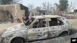Un superviviente dijo a la agencia de noticias AP que el ataque de Boko Haram en Dalori, cerca de Maiduguri, duró unas cuatro horas y que pudo escuchar los gritos de los niños.