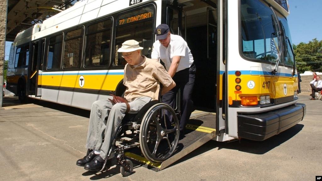 Silla de ruedas para subir escaleras - Sillas para subir escaleras personas mayores ...
