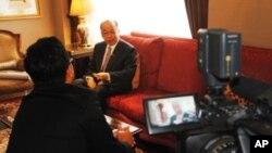 รายงานสัมภาษณ์รัฐมนตรีต่างประเทศสุรพงษ์ โตวิจักษณ์ชัยกุล ตอนที่ 2