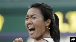 Vania King of the United States has been chosen to take the U.S. Fed Cup roster spot originally expected to be filled by Venus Williams, Jun 22, 2010 (file photo)