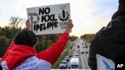 反對者抗議基石輸油管道擴建
